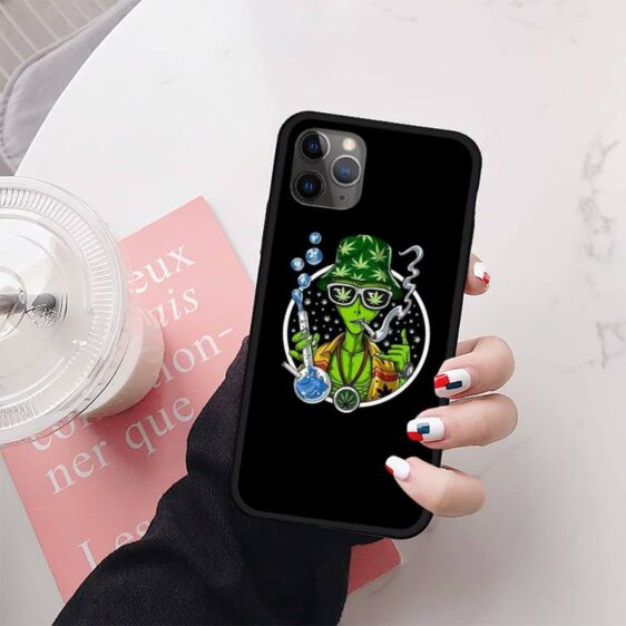 Hang Loose & Grab Your Marijuana Bong Alien iPhone 12 Cover