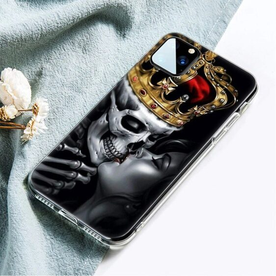 Gold Crowned Skeleton Kissing Woman Dope Skull iPhone 12 Case
