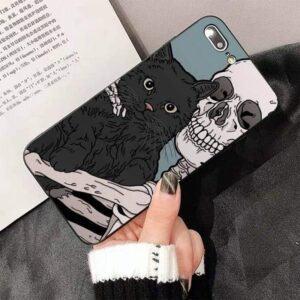 Cute Skeleton Holding Pet Cat Awesome Skull iPhone 12 Case